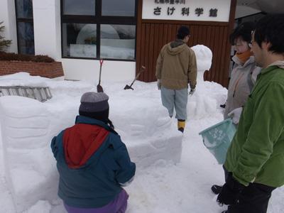 雪像制作2日目