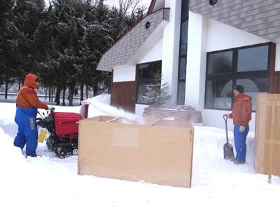 雪像の土台を作ります