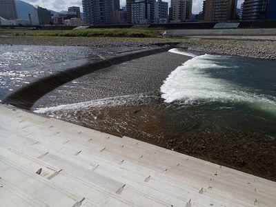 豊平川南7条大橋上流右岸側(4号床止め)