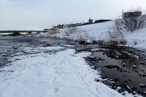 真冬の豊平川